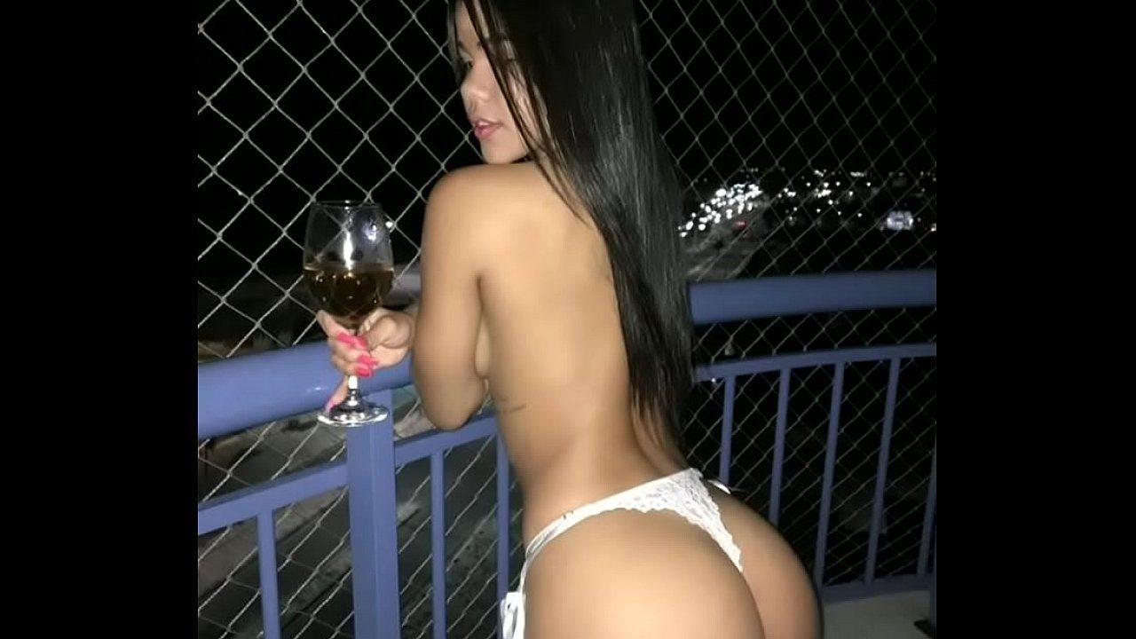 Novinha gostosa caiu na net dando a buceta