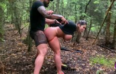 Sexo no mato com vadia que adora trepar em lugares exóticos